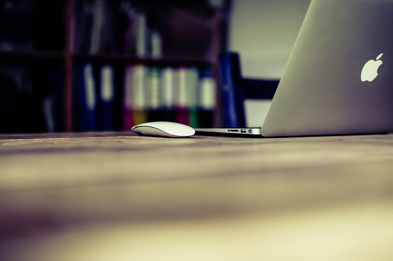 The Keys to Writing a Successful Blog (And blog writing)